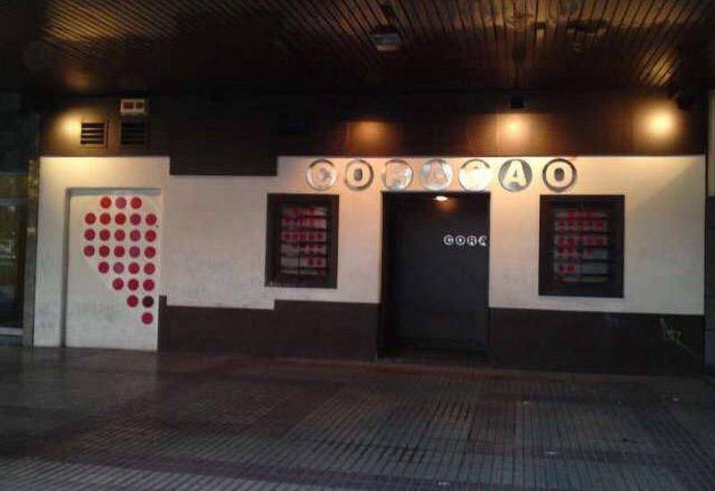 Ambiente gay LGTB Pub Coracao en Burgos